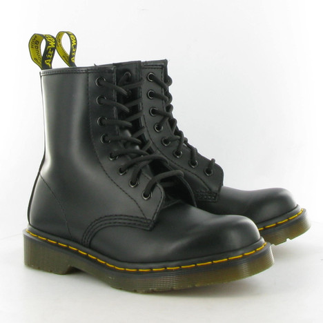 Dr Martens Leather 1460 8 Eyelet Boots in Black