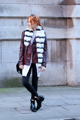 hannah louise fashion blogger jacket jeans scarf bag jewels sunglasses fur fur scarf