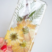 phone cover,summer summer handcraft,daisy,yellow,cute,handmade,handcraft,pressed flowers,real flowers,flowers,floral,love,trendy,fashion,vintage,girl,girly,iphone cover,iphone case,iphone,iphone 5 case,iphone 6 case,samsung galaxy cases,iphone 4 case