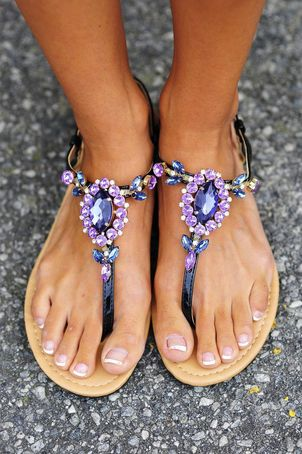 DANCING IN THE MOONLIGHT SANDALS HOPES BOUTIQUE on The Hunt