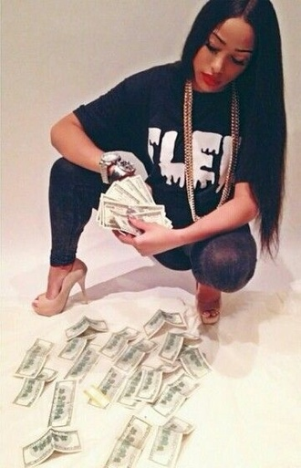 top oversized t-shirt gold gold jewelry money high heels leggings red lipstick black black hair