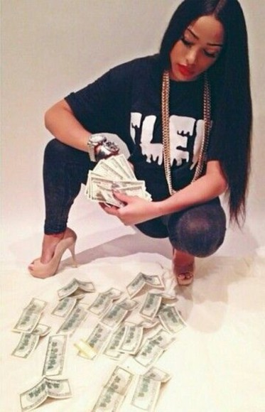 high heels top oversized t-shirt gold gold jewelry money leggings red lipstick black black hair