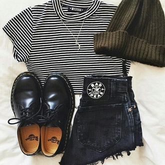 shorts on point clothing streetstyle streetwear blogger dope swag stripes striped top beanie doc marten dr. martens necklace jewels style boyish outfit women gorgeous fashionista chill rad causal top hat shoes