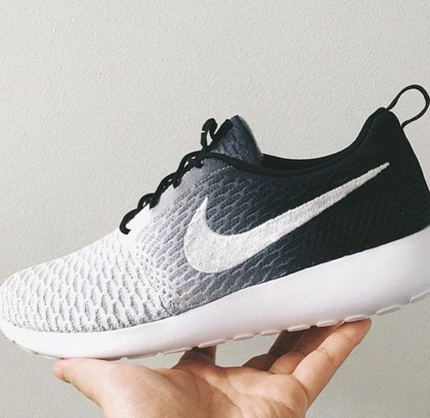 black and white fading nike roshes | Spin Creative