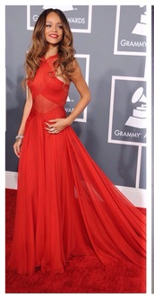 dress,rihanna,red carpet dress,rihanna red dress,gown,red prom dress