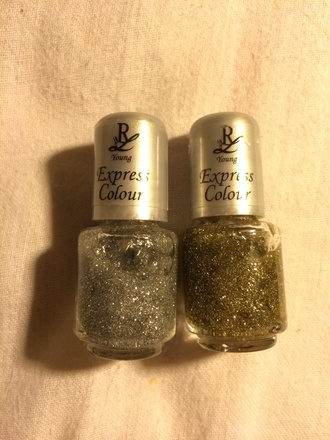 gold beautiful sparkles nail polish sparkling silver