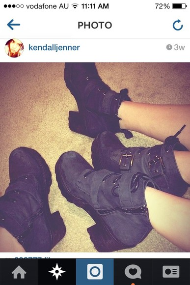 kendall jenner shoes black,