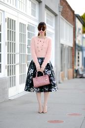 m loves m,blogger,midi skirt,fuzzy sweater,floral skirt,handbag,floral midi skirt