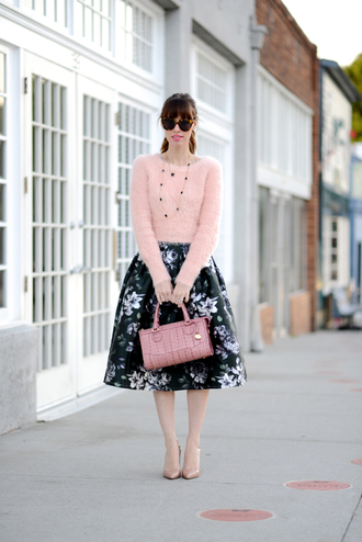 m loves m blogger midi skirt fuzzy sweater floral skirt handbag