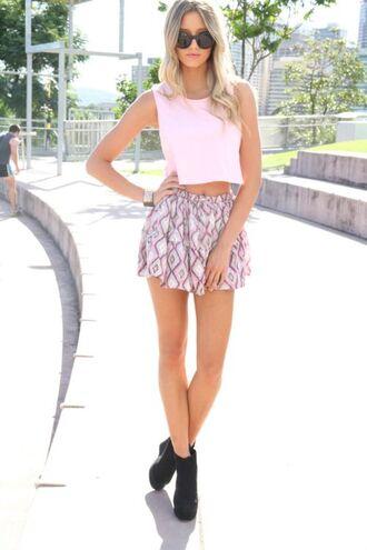 blouse crop top skirt shoes pink summer outfits heels