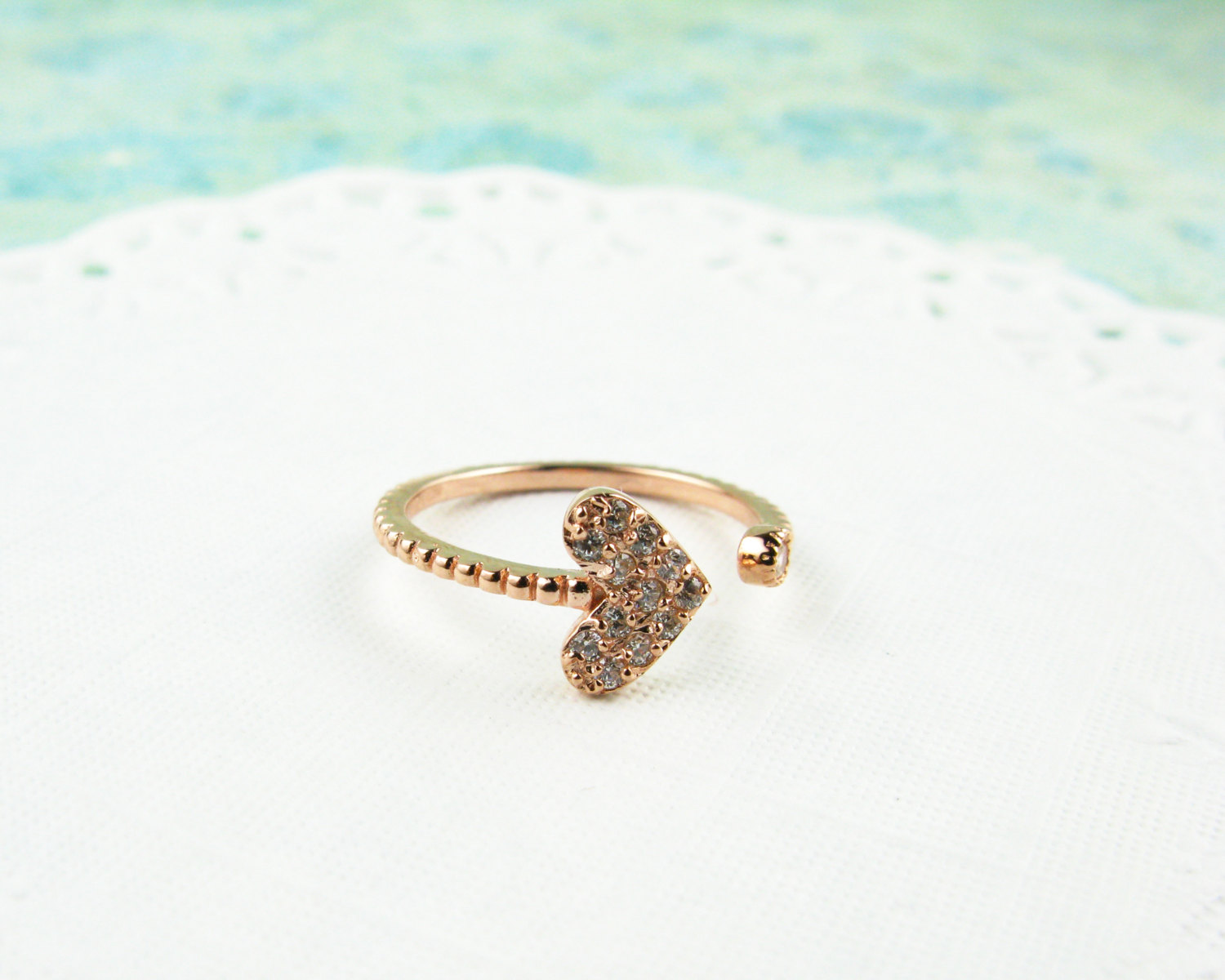 Sterling silver. dainty adjustable heart rhinestone ring, silver, gold, rose gold. hypoallergenic, bubbled band, open ring, heart ring