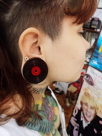 jewels black fashion plugs colorful tumblr outfit tumblr vinyl record jewels color cool
