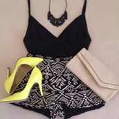 shorts,necklace,pumps,clutch,clothes,tribal pattern,atztec,black and white,tank top,jewels