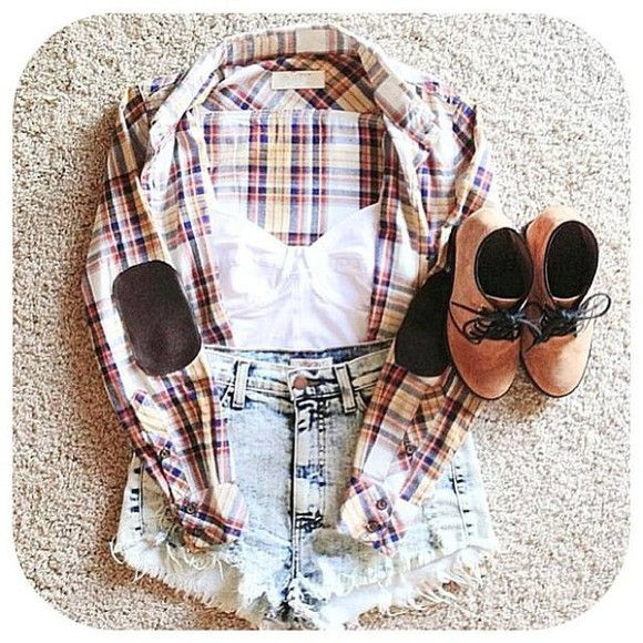 shoes vest white boots shirt shorts crop light white, lace, blouse, pretty, cream, top, summery jeans, boyfriend, cropped, light wash, denim