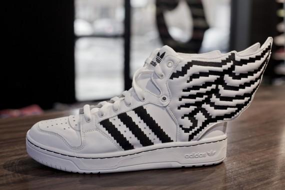buy online bdb96 0081c Adidas En venta Adidas Jeremy Scott alas de Js Zapatos Mujeres Negro Blanco  SJ,de la mejor oferta,adidas sudaderas outlet,comprar online espana