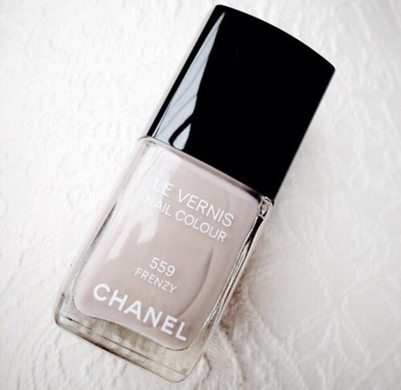 nail polish nails frenzy chanel le vernis nail color