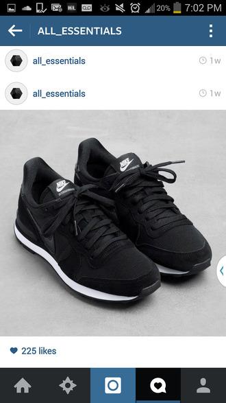 shoes sneakers nike nike shoes nike running shoes nike sneakers black nike nike internationalist black black shoes black dark nike black pants heels