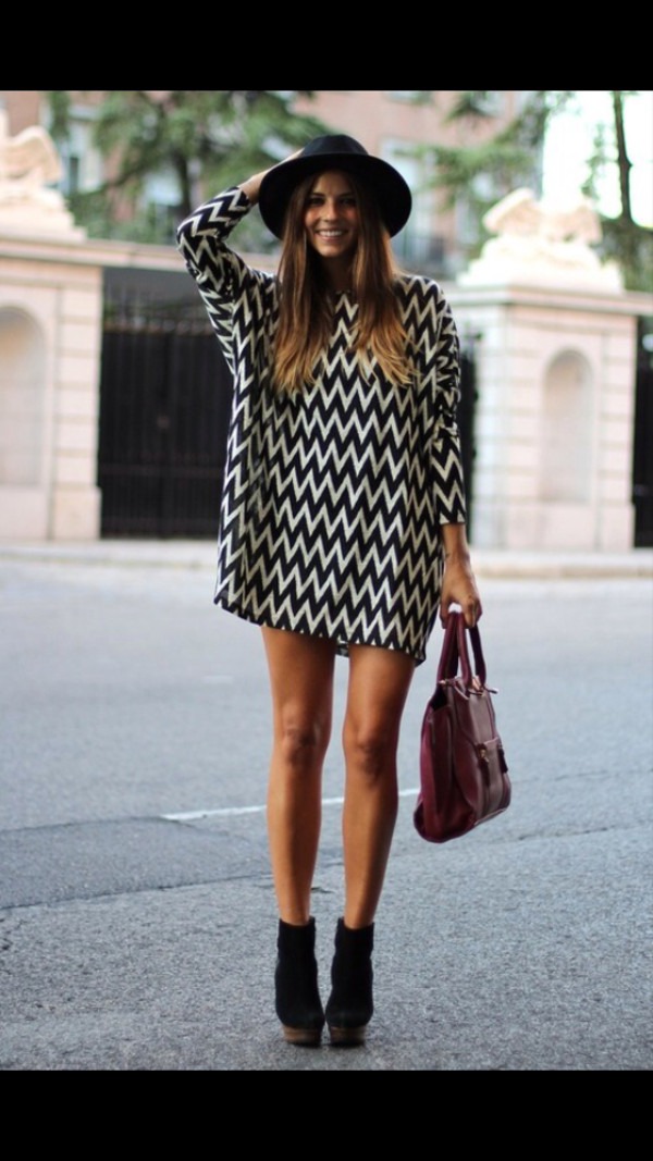 sweater dress black and white long sleeve dress zig zag print