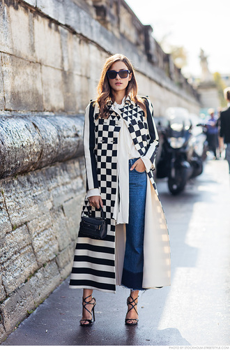 carolines mode blogger coat bag blouse jeans shoes sunglasses