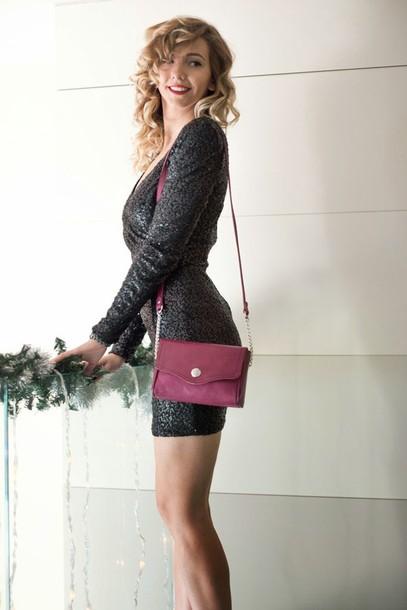 let's talk about fashion ! blogger sequin dress long sleeve dress little black dress shoulder bag