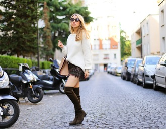 caroline louis pardonmyobsession blogger shoes skirt sweater bag thigh high boots green shoes white sweater handbag