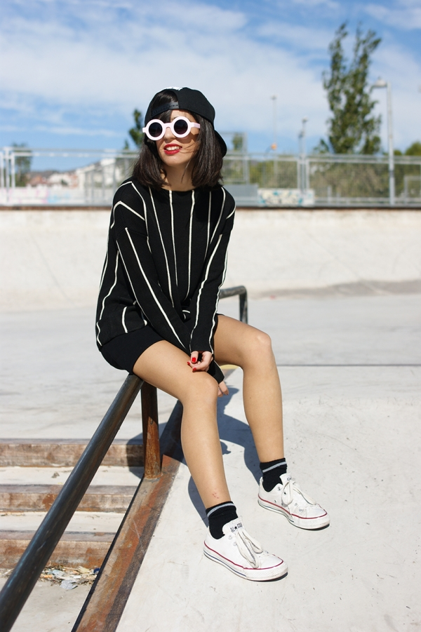 Relaxed Vertical Stripe Sweater - OASAP.com