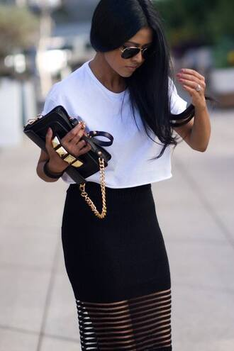skirt t-shirt summer outfits handbag rayban sunglasses crop tops outfit gold black and white white t-shirt black skirt