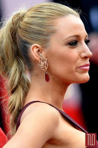 jewels red earrings blake lively trendy stylish