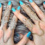 jewels,jewel cult,jewelry,ring,knuckle ring,leaf ring,bling,two finger ring,full finger rings,linked ring,hand jewelry,gold,silver,silver ring,gold ring,crystal,chain