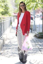 pants,office outfits,black and white pants,wide-leg pants,top,white top,blazer,red blazer,sunglasses,mirrored sunglasses,aviator sunglasses