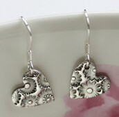 jewels,floral,cute,earings,shiny,silver,heart earrings,heart,silver earing,earrings,jewelry store online
