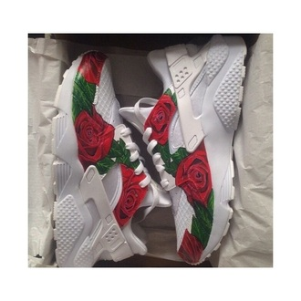 shoes nike running shoes nike shoes hurarches white nike huraches roses red white green sneakers nike sneakers dope dope wishlist dope shit like cute sexy trendy