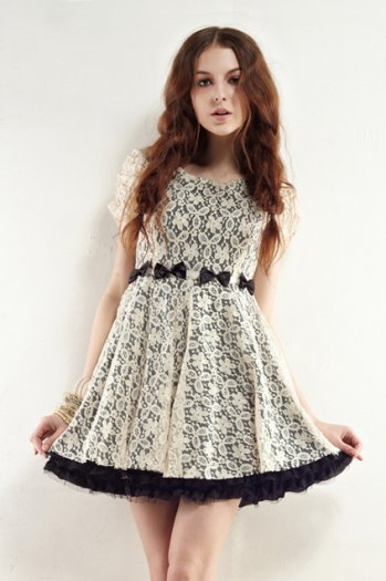 Light yellow pierced lace dress [ncskt0037]