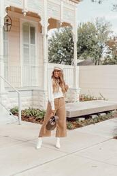 januaryhart,blogger,sweater,top,pants,shoes
