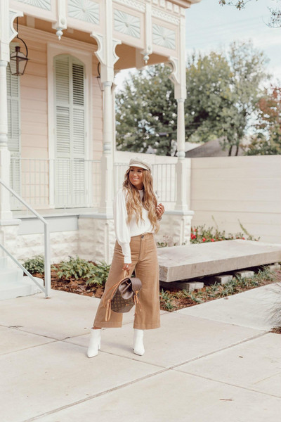 januaryhart blogger sweater top pants shoes