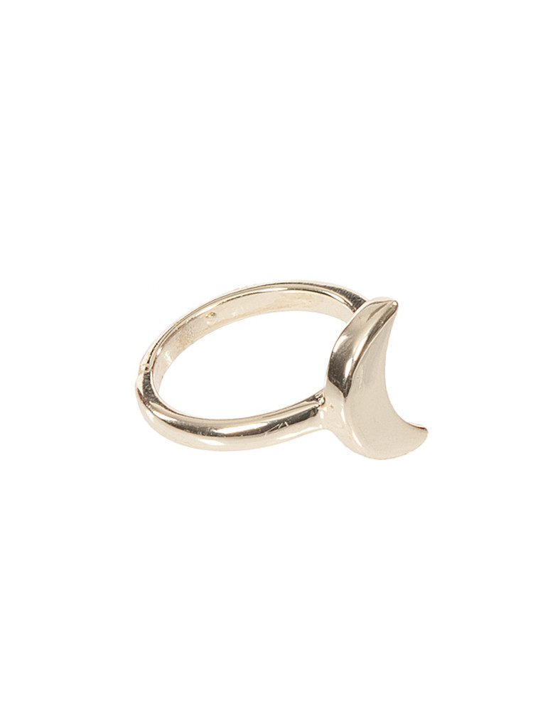 Polished moon crescent fine ring – lilypop boutique