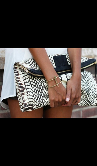 bag clutch black and white
