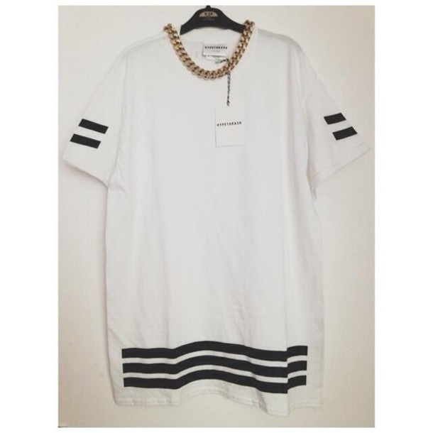 dcc06ab8a361fe t-shirt, top, jersey, stripes, gold chain, oversized top, black and ...