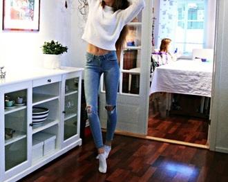 jeans blue skinny jeans skinny pants skinny jeans ripped jeans white sweater sweater tshrt t-shirt shirt white