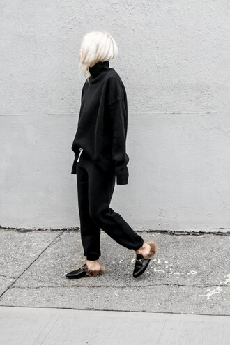sweater tumblr knit knitwear knitted sweater black sweater pants black sweatpants sweatpants turtleneck turtleneck sweater shoes mules all black everything