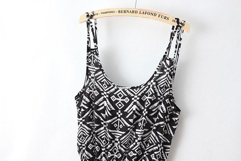 Black White Spaghetti Strap Geometric Print Jumpsuit - Sheinside.com