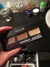 make-up,makeup palette,contouring