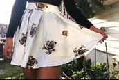 skirt,black and white floral pleated skirtt,black and white pleated floral skirt,black and white rose skirt,floral,floral skirt,black,white,black and white,black and white skirt,pleated,pleated skirt,rose skirt