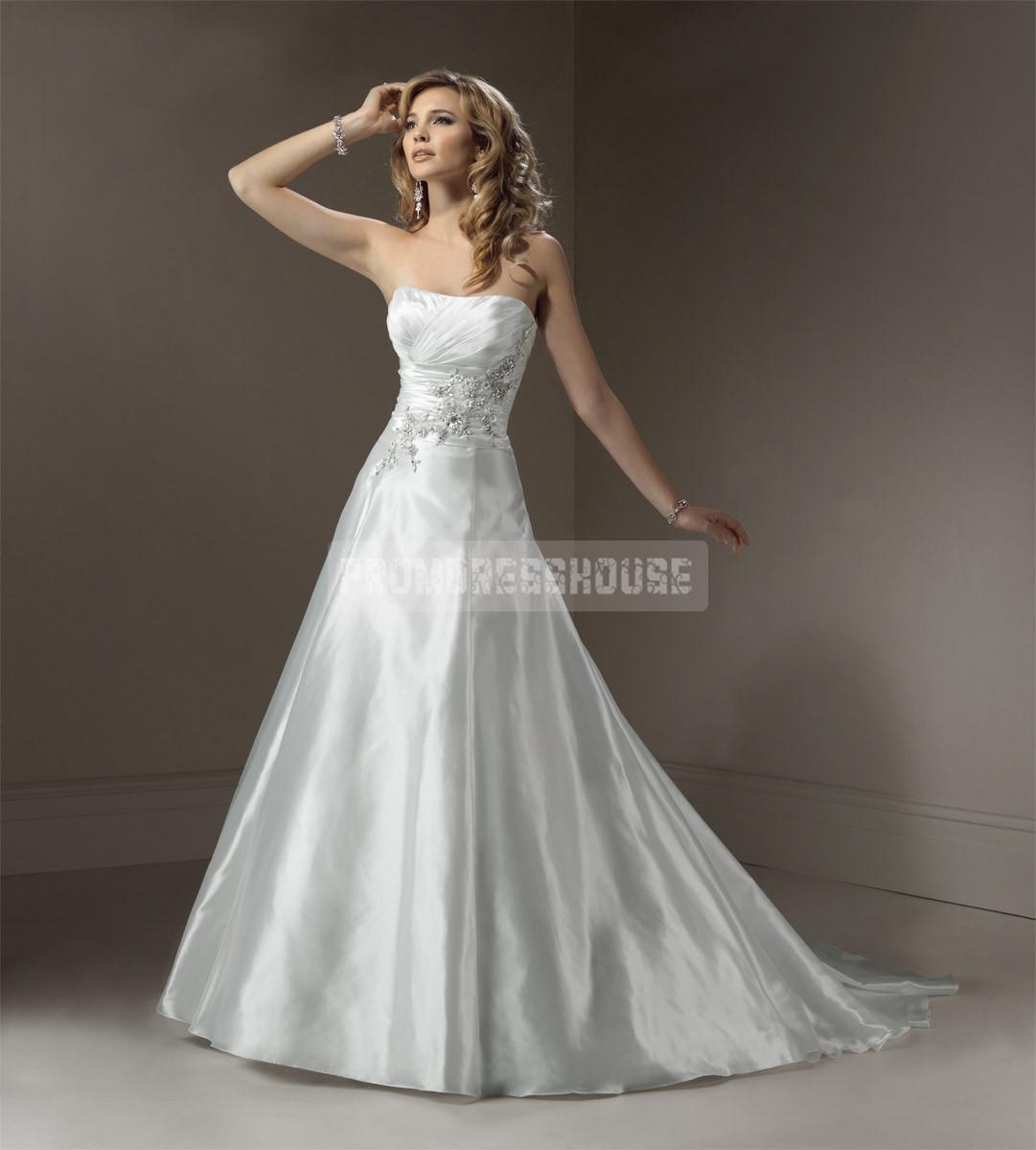 Graceful asymmetric waist strapless pleated wedding dress
