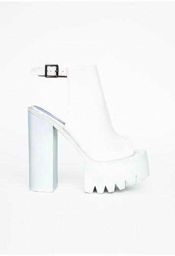 Missguided - Mirella White Extreme Platform Buckle Heels - Campaign
