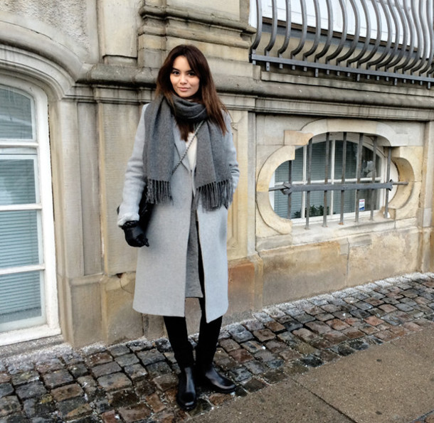 by funda blogger scarf grey grey coat winter coat aigle coat cardigan shoes bag