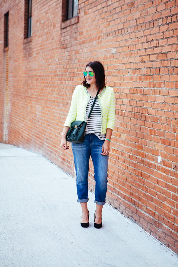 kendi everyday blogger jacket jeans t-shirt sunglasses jewels