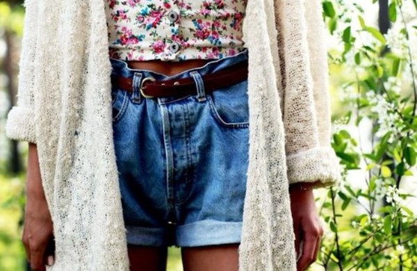 shirt bralette crop tops floral crop top summer spring fashion knitted cardigan white natural colours high waisted denim shorts leather belt retro summer outfits cute girly shorts