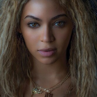 jewels beyonce face jewelry necklace beyoncé face lips eyes eye makeup flawless flawless ***flawless blonde hair natural hazel beautfiul queen bey trill gorgeous