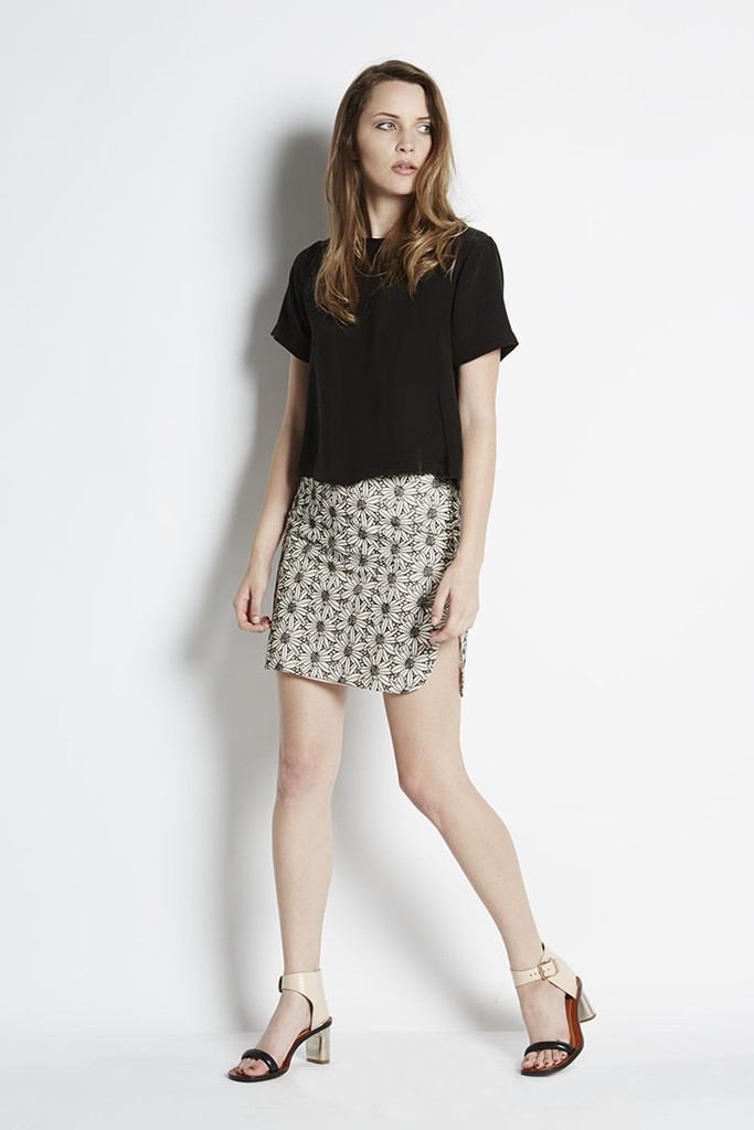 AdelaMei| Embroidered Lace Pencil Skirt | NTICE | Adela Mei